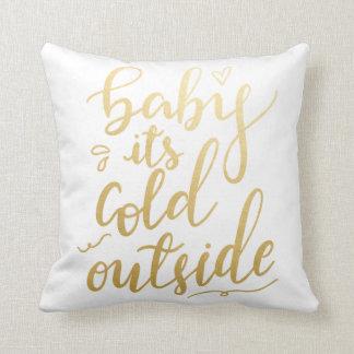 Cojín Decorativo Bebé su efecto metalizado de oro manuscrito del