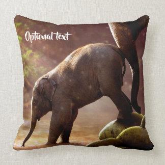 Cojín Decorativo Becerro y madre lindos del elefante
