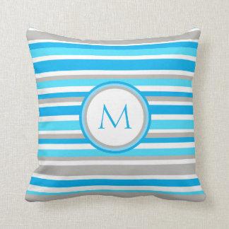 Cojín Decorativo Blanco, azul y gris raya el monograma