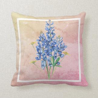 Cojín Decorativo Bluebonnets en fondo rosado