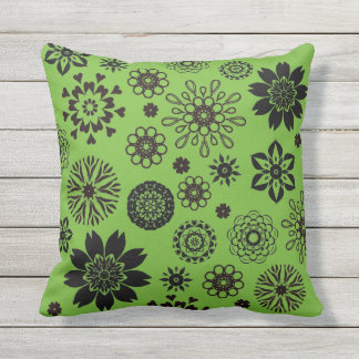 Cojín Decorativo Bright green cushion with rosace flowers