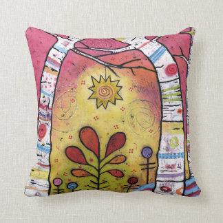 Cojín Decorativo Caprichoso, colorido, inclinándose en luz de las
