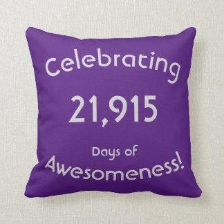 Cojín Decorativo Celebración de 21.915 días de cumpleaños de