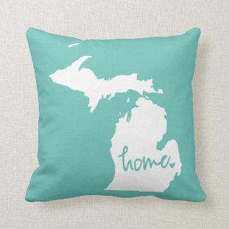 Cojín Decorativo Color casero del personalizado de Michigan