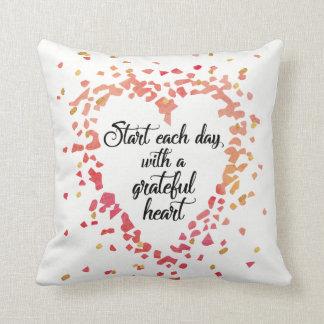 Cojín Decorativo Comience cada cita inspirada del corazón
