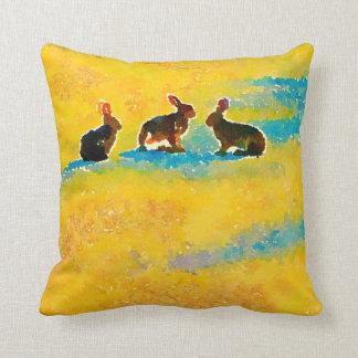 Cojín Decorativo Conejos de conejito en amarillo