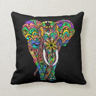 Cojín Decorativo Cosmic elephant love by #Bizzartino