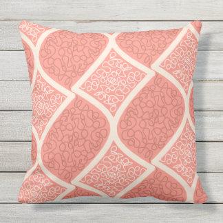 Cojín Decorativo Crema intrépida en el rosa de color salmón