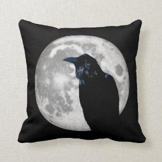 Cojín Decorativo Cuervo en la luna