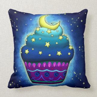Cojín Decorativo Cupake mono con luna y estrellas