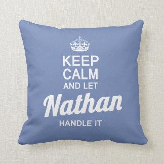 Cojín Decorativo ¡Deje a Nathan dirigirlo!