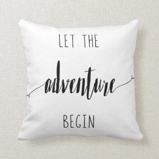 Cojín Decorativo Deje la aventura comenzar cita