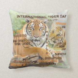 Cojín Decorativo Día internacional del tigre, el 29 de julio, arte