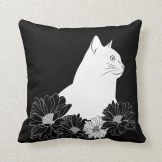 Cojín Decorativo Dibujo lineal blanco y negro de gato con las