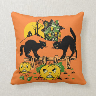 Cojín Decorativo Dos gatos negros y casas encantadas de Halloween