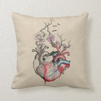 Cojín Decorativo El arte del amor combinó corazones anatómicos con