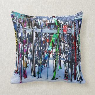 Cojín Decorativo El fiesta del esquí - esquís y postes