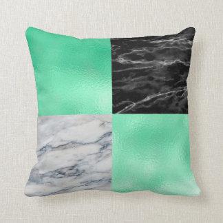 Cojín Decorativo El mármol blanco del negro mínimo de la verde