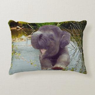 Cojín Decorativo Elefante y agua