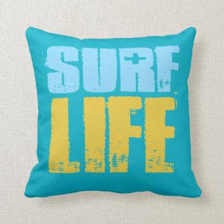Cojín Decorativo Estilo de la persona que practica surf de la playa
