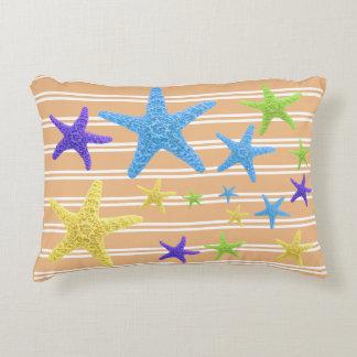 Cojín Decorativo Estrellas de mar con color de fondo cambiable