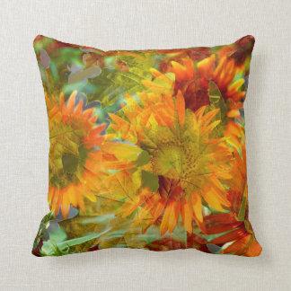 Cojín Decorativo Flores abstractas del color de la caída