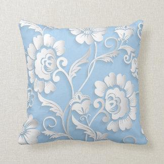 Cojín Decorativo Flores blancas en azules cielos