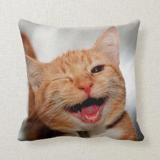 Cojín Decorativo Gato que guiña - gato anaranjado - los gatos