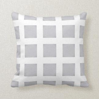 Cojín Decorativo Gris y blanco comprobados, amortiguador elegante