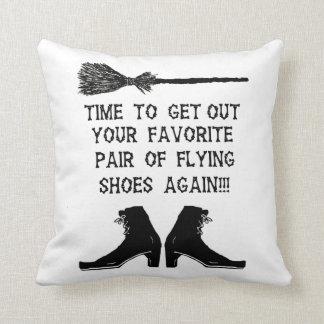Cojín Decorativo Hora para los nuevos zapatos del vuelo