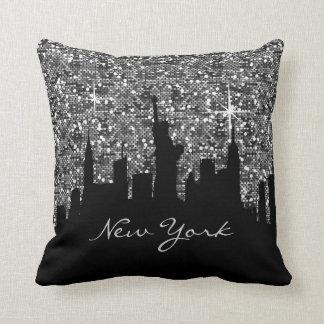 Cojín Decorativo Horizonte negro y de plata de Nueva York del