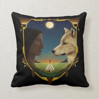 Cojín Decorativo Indio y Wolf- Penheka
