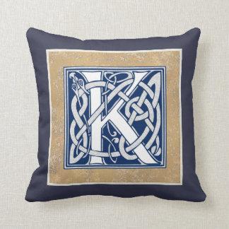 Cojín Decorativo Inicial reversible del Celtic K