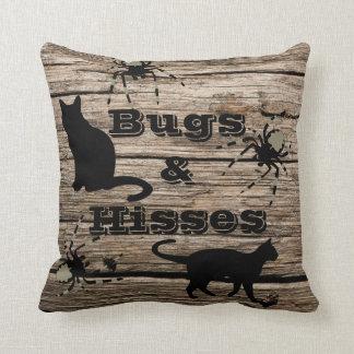 """Cojín Decorativo """"Insectos y silbidos"""" Halloween rústico"""