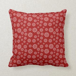 Cojín Decorativo Invierno rojo lindo del modelo de los copos de