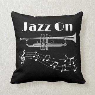 Cojín Decorativo Jazz del jugador de trompeta encendido