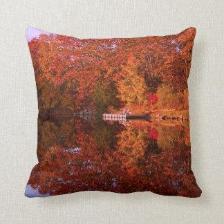 Cojín Decorativo La reflexión del otoño