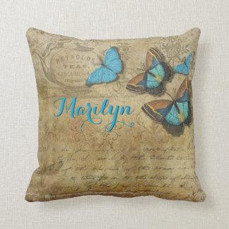 Cojín Decorativo Letra retra del Victorian de las mariposas azules