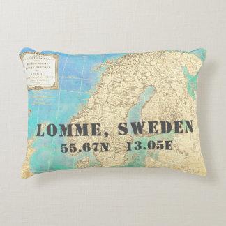 Cojín Decorativo Longitud Lomme Suecia de la latitud de la acuarela