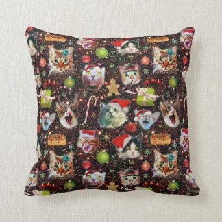 Cojín Decorativo Los gatos del navidad en galaxia del espacio