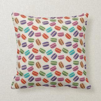 Cojín Decorativo Macarrones coloridos con el merengue dulce