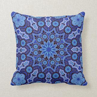 Cojín Decorativo Mandala azul floral