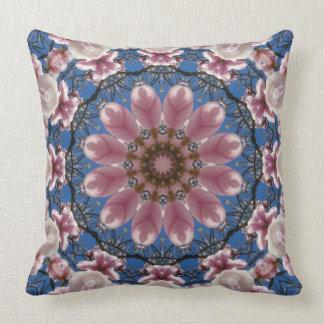 Cojín Decorativo Mandala de la flor, flores rosados de la primavera