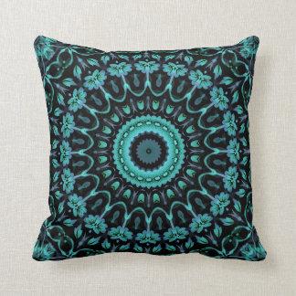 Cojín Decorativo Mandala floral de la turquesa oscura
