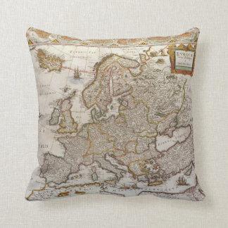 Cojín Decorativo Mapa antiguo de Europa de Willem Jansz Blaeu,