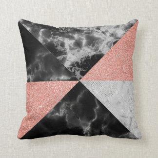 Cojín Decorativo Mármol geométrico del rosa de los triángulos