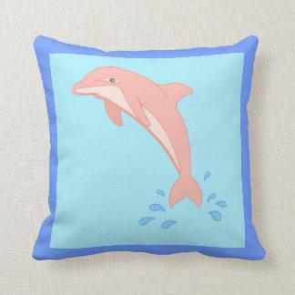 Cojín Decorativo Melocotones el delfín rosado