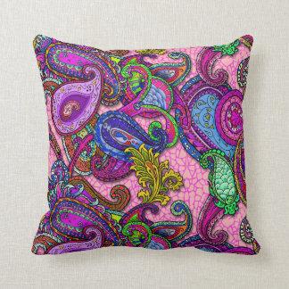 Cojín Decorativo Mezcla Paisley con rosa