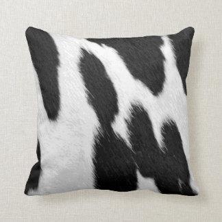 Cojín Decorativo Mirada realista de la piel de la vaca de Holstein