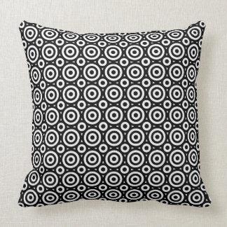 Cojín Decorativo Modelo geométrico negro y blanco de los círculos